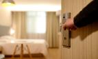 Entrada habitación de hotel